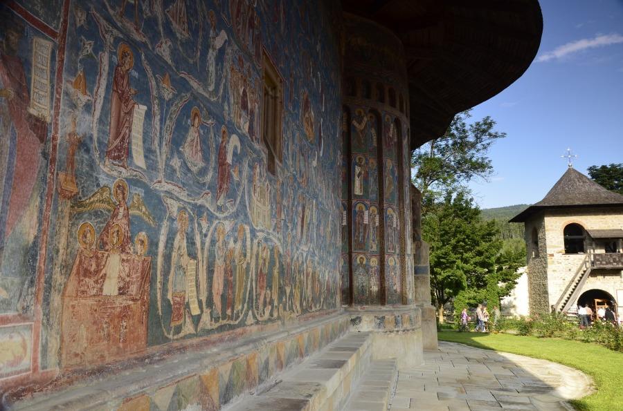 voronet-monastery-818929_1920